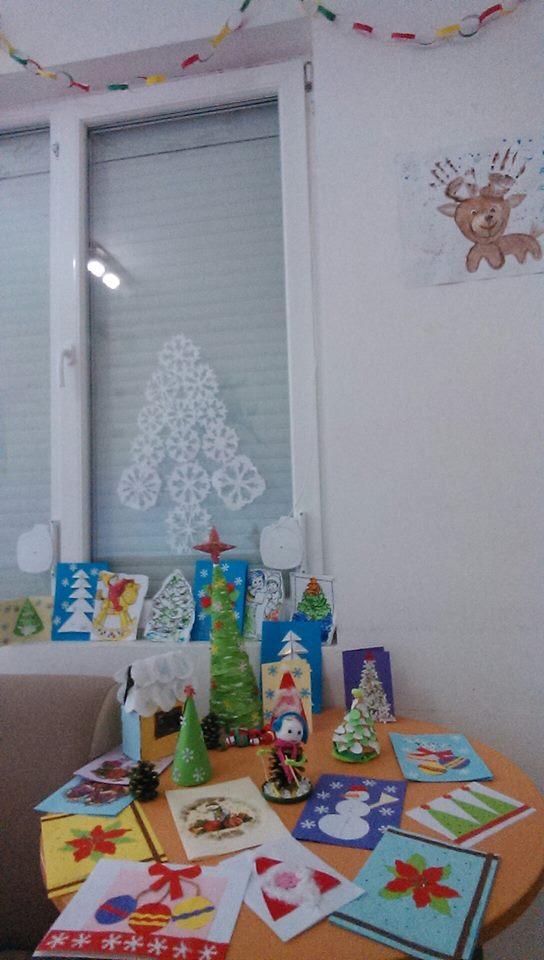 """Г-жа Андонова и ученици от помощна паралелка към ОУ """" Христо Ботев"""", гр. Поморие"""