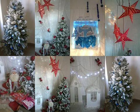 """Г-жа Тодорова и децата от  ДГ """"Пламъче"""". """"Коледно настроение създадохме за децата и за техните родители. В дните около Коледа в детската градина правим интересни развлекателни моменти за деца и родители. Тази година надецата гостуват Коледни гости, а самите деца се преобразят като джуджета, снежинки, пирати и шоколадови бонбони."""""""