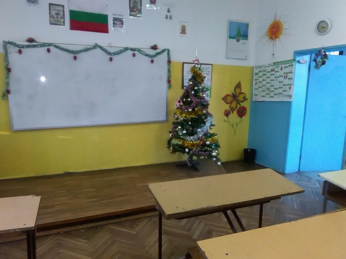 """Г-жа Колева и 3 """"а"""" клас, СУ """"Йордан Йовков"""", гр. Бургас"""